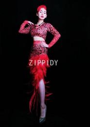 $enCountryForm.capitalKeyWord NZ - Fashion Red Rhinestones T-shirt Feather Long Skirt Birthday Celebrate Clothes set Prom Party Bar Women Dancer Outfit Set