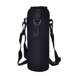 Cubierta de la botella de agua de 1000ML Bolsa con bolsa de neopreno Portabotellas de agua Bolsa con bolsa aislada Bolsa de hombro Correa de hombro Negro