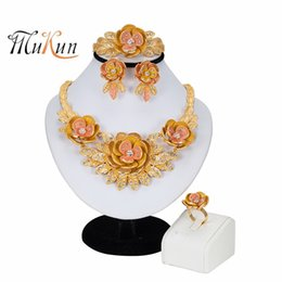 gold bracelet sets dubai 2019 - African Jewelry Set Flower Necklace Bracelet Dubai Gold Jewelry Set for Women Wedding Party Bridal Earrings Ring cheap g