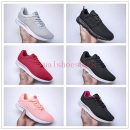 6405368e3cab 2019 дизайнер кроссовки спортивная мода повседневная обувь кроссовки  облегченная подошва с тиснением дешевые оптовые мужские женские кеды EE