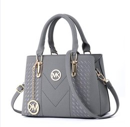 bff6586755 Ladies big bag ladies 2019 winter new fashion ladies bag all-in-one handbag  fashion trend one-shoulder crossbody bag A618
