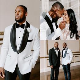 $enCountryForm.capitalKeyWord Australia - White Handsome Wedding Groom Tuxedos 2020 Custom Made Mens Business Occasion Suits Fashion Shawl Lapel Blazer Pants Tie Set AL2397