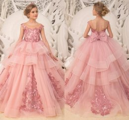 Chinese  Pretty Pink Puffy Flower Girl Dresses 2019 Tiered Skirts Lace Appliques Communion Dresses Pageant Dresses For Little Girls With Bow Sash manufacturers