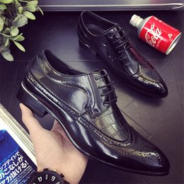 Dress Style Men NZ - 2018 Luxury Brogue Mens Buiness Shoes British Style Men Dress Shoes Fashion Brand Oxfords Shoes For Men