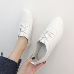 da8a3cd21c 2019 novas mulheres jovens preto e branco sapatos casuais tendência de  calçados esportivos TCOO 36-40