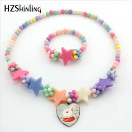 $enCountryForm.capitalKeyWord Australia - Alice in Wonderland Heart Necklace Anime Necklace Mr Bunny Cheshire Cat Alice Jewelry for Children Girls Gifts