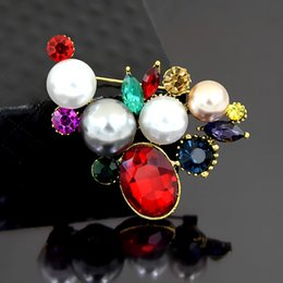 East Ladies Clothes Australia - Vintage Gold Plated Alloy Elegant Multicolor Crystals Fancy Pearl Women Wedding Brooch Hot Selling New Arrival Lady Clothes Jewelry Pin