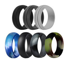 wide silicone band Australia - 7pcs lot 8mm Wide Neutral 8 combination of 7 colors silicone rings fashion wedding rings set