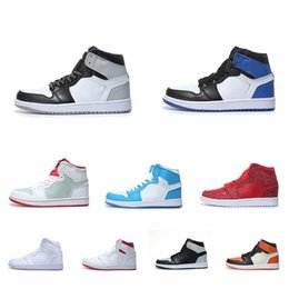 $enCountryForm.capitalKeyWord UK - cheap OG NEW 1 top men basketball shoes 1s Homage To Home Banned Bred Chicago Royal Blue fashion luxury mens women designer sandals shoes