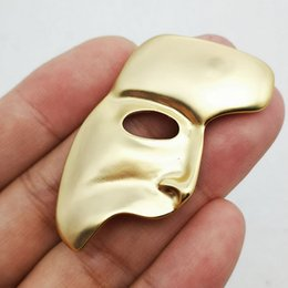$enCountryForm.capitalKeyWord Australia - 18K Gold Plated Metal Half Face Mask Brooch Hip Hop Style Face Brooch Suit Lapel Pin for Gift Party High Quality Jewelry