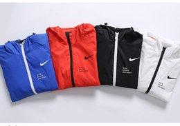 Toptan satış Erkek Tasarımcı Ceketler Erkek İlkbahar Sonbahar İnce Ceket Spor Ceket 2019 Yeni Varış Erkek Baskılı Fermuar Rüzgarlık Lüks Ceketler Asya Boyutu.