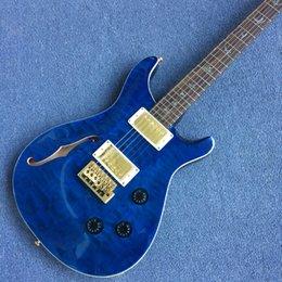 Vente en gros Personnalisé Flame Maple Top Bleu Guitare Électrique Eagle Poupée Logo MOP Oiseaux Incrustation Tremolo Bridge Or Matériel170924