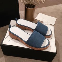 $enCountryForm.capitalKeyWord Australia - Newest Fashion Luxury Designer Women Shoes Genuine Leather Sole Stuffies Low With Slippers Designer Slides Sandals Lady Style Designer Shoes