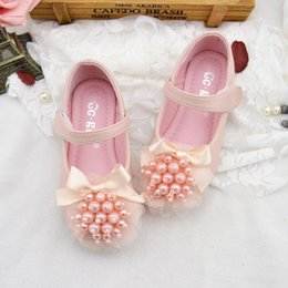 pearl flower girl shoes UK - Jnboutique Flower Sandals Baby Girls Pearl Shoes 2020 Kids Girl Elegant Soft Shoes Infant Princess Low Heel Wedding Shoes Size 19-34 S896