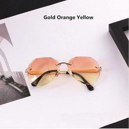Toptan satış Kadınlar Marka Tasarımcısı Yeni Moda sevimli seksi retro Kedi Göz Bağbozumu ucuz Güneş Gözlükleri kırmızı kadın 333