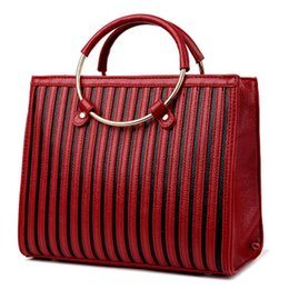 China Designer-Wholesale 2018 women PU leather handbags Stripes totes patent handbag high quality shoulder bags for girl cheap handbags for women black patent suppliers