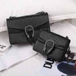 Diseñador de bolsos Famosa marca mujer bolsos nueva moda para mujer de cuero bolso y bolsos de piel de cocodrilo Chians bolsos para mujeres venta de fábrica en venta