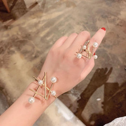 ElEgant pEarl sEt banglEs online shopping - New Arrival Fashion Elegant Imitation Pearl Open Ring Bangle Set Gold Color Cuff Bangle For Women Wedding Party Jewelry CRL071