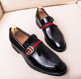Venta al por mayor de 2019 Nuevo Cuero Casual Conducción Oxfords Pisos de Fiesta Zapato Mocasines Mocasines Hombres Italianos Zapatos de Boda 38-46