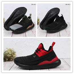 new concept a5720 b9df2 Acheter 2019 Vente Chaude De Haute Qualité Tubular X Primeknit Chaussures  De Course Tubular Invader Chaussures De Course En Salle Radial Discount  Chaussures ...