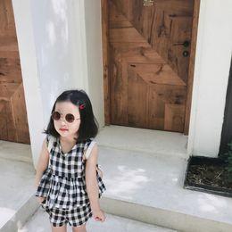 korean style girls top 2019 - 2019 Korean Style Girls 2pcs Set Plaid Top Vest+Shorts Summer Kids Girls Suit 1-6 Years discount korean style girls top