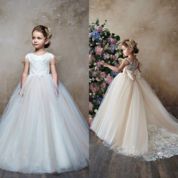 $enCountryForm.capitalKeyWord NZ - Long Girls Pageant Dresses Flower Girl Ball Gowns For Wedding Party Birthday Special Occasion Short Sleeve Lace Dreses