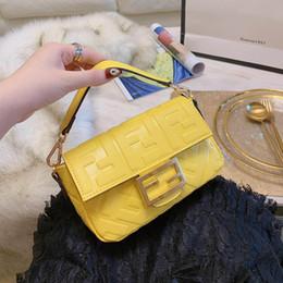 e083783ca BAGUETTE Para Mujer de Lujo Bolsos de Hombro Amarillo Negro Blanco Bolsos  de Cuero Moda Mujer Bolso Cadena Pequeño Vestido Totes con caja