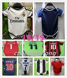 b5e82a570 The latest baby jersey 1819 Real Madrid RONALDO 2 star MBAPPE baby jersey  2018 19 Real Madrid PsG 6-18 months baby shirt