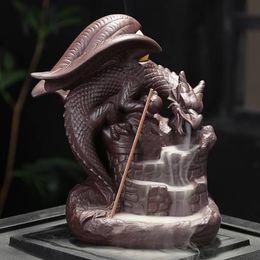 Ceramica riflusso del bruciatore di incenso Censer Home Decor incenso del drago portabruciatori Home Office Casa da tè Tabella Gifts Desk Decorazione in Offerta