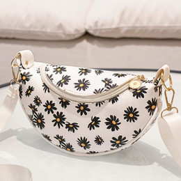 hand bag printed Australia - Small Crossbody Saddle Handbag Women Lovely Sweet Daisy Print Sling Shoulder Bag Casual Soft Mini Tote Hand Bag For Women 2020