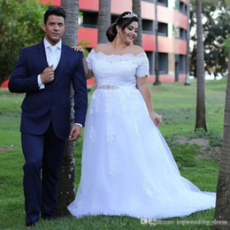 $enCountryForm.capitalKeyWord Australia - Plus Size Country Beach Wedding Dresses With Court Train Buttons Back With Beaded Belt A-line Short Sleeves Bridal Gowns