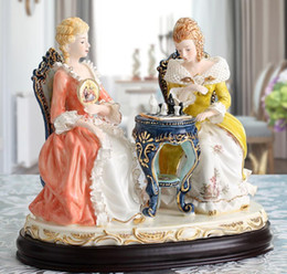 carved figures Australia - European-style ceramics figure decoration luxury royal home luxury craftsmanship couples decorating wedding gifts