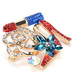 $enCountryForm.capitalKeyWord Australia - 100pcs lot Wholesale Charm Fashion Lipstick red High Heels Flower Brooch Pin Jewelry