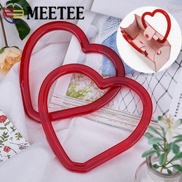 $enCountryForm.capitalKeyWord Australia - Meetee Red Heart-shaped Bag Hand Pull Resin Ring Handle Buckles DIY Purse Frame Decor Handle Bag Parts Accessories