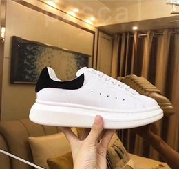 beautiful canvas shoes Australia - 2020 Velvet Black Mens Womens Casual shoes Beautiful Platform Casual Sneakers Luxury Designers Shoes Leather Solid Colors Trainer