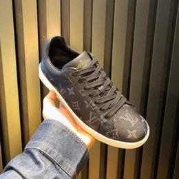 Опт louis vuitton Lv 2020 Новый Мужчины обувь Роскошная Повседневный зашнуровать ботинок людей Run Away Sneaker с зарождением Box