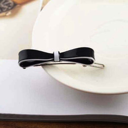 $enCountryForm.capitalKeyWord Australia - New Fashion Black White Enamel Bow Tie Barrettes With Double Layers Letters Hair Clips Clmaps For Women Gir Hair Jewelry Support Mix