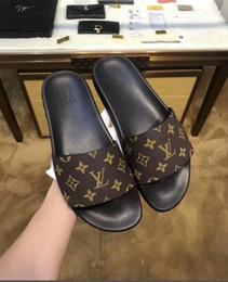 3aa80d698f873 2019 Mauve 700 Wave Runner Mens Women Designer Sneakers New 700 V2 Static  Best Quality Kanye West Sport Shoes51