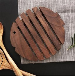 Kitchen Place Mats Australia - Kitchen Utensils Wood Table Mat Placement Wooden Mug Coasters Cute Fish Shape Place Mat for Dining Table Accessories Mats & Pads