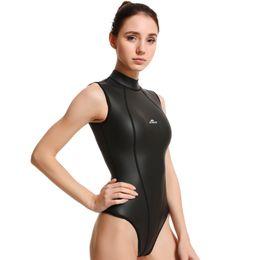 2019 femmes plongée à manches longues combinaison CR femmes vêtements de plongée en néoprène plongée avec tuba chaud 3 mm d'usure en Solde