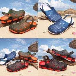 gardening shoe slippers Australia - newest Jelly beach Men Casual Sandals Beach Slippers Male Light Weight Summer Eva Garden Shoes Breathable Hole Men Sandals flip-flops