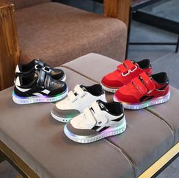 $enCountryForm.capitalKeyWord Australia - NEW Fashion Childrens Luminous Shoes Stars Print Girls Flat Shoes Luminous Non-slip Wear-resistant Childrens Shoes Best quality a-18