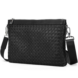 $enCountryForm.capitalKeyWord UK - Factory Price Real Woven Leather Business Clutch Bag Genuine leather Black Wristlet Weave Clutch Bag with Card Holder Silver Zipper 9209