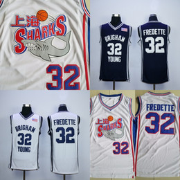 Mais recente NCAA Xangai Sharks Jerseys 32 Jimmer Fredette Homens University College Filme 100% Preto branco Completa Costurado Basketball Jersey