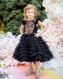 $enCountryForm.capitalKeyWord Australia - Hot Sale Black Tiered Flower Girl Dresses For Wedding Sheer Bateau Neck Appliqued Pageant Gowns Tulle Knee Length First Communion Dress