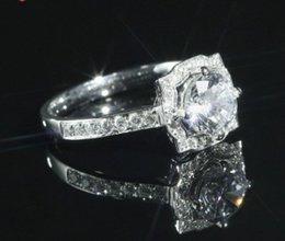K-plattierte Platin-Diamantringe mit Diamantimitationen, nackte Diamanten und Diamant-Ringschmuck im Angebot
