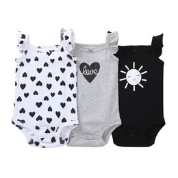 baby girl summer suits UK - Sleeveless Bodysuit For Baby Boy Girl Summer Clothes Love Heart Body Suit 2019 Newborn Bodysuits New Born Clothing 6-24 Month Y19050602