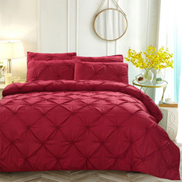 China Unique Pinch Pleat Pintuck Duvet Cover Set 3 Pcs Decorative Stylish Brushed Microfiber Bedding Set With Zipper and Corner Ties supplier unique ties suppliers
