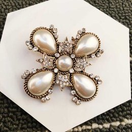korea women party dress Canada - Korea Fashion Crystal Pearl Brooch Pins Crosses Corsage Brooches Women Girl Wedding Jewelry Suit Dress Accessories