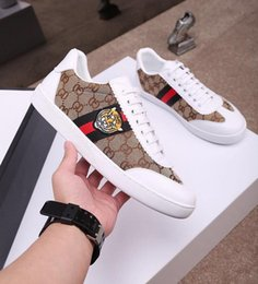 $enCountryForm.capitalKeyWord Australia - High Quality new man luxury designer shoes for women green red green stripe with bee embroider casual ace shoes with box size 35-46